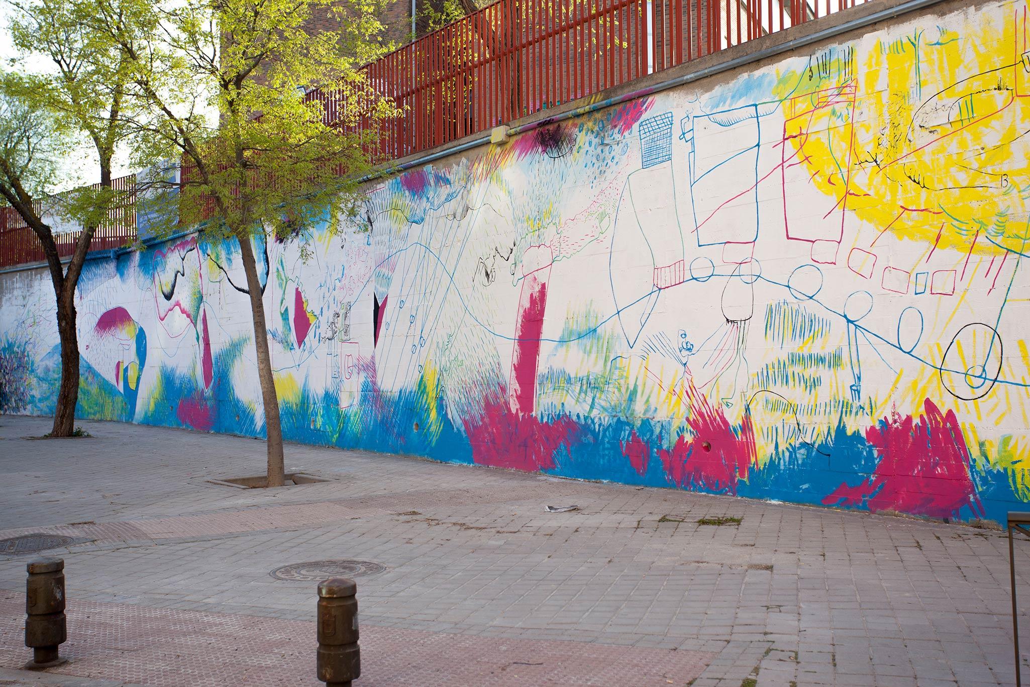 mural colectivo en el colegio pradolongo